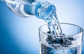 Les personnes en dialyse peuvent boire plus pendant la canicule. Il faut s'informer auprès des néphrologues et infirmiers de dialyse