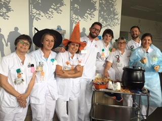 Equipe soignante de néphrologie lors de la fête d'halloween